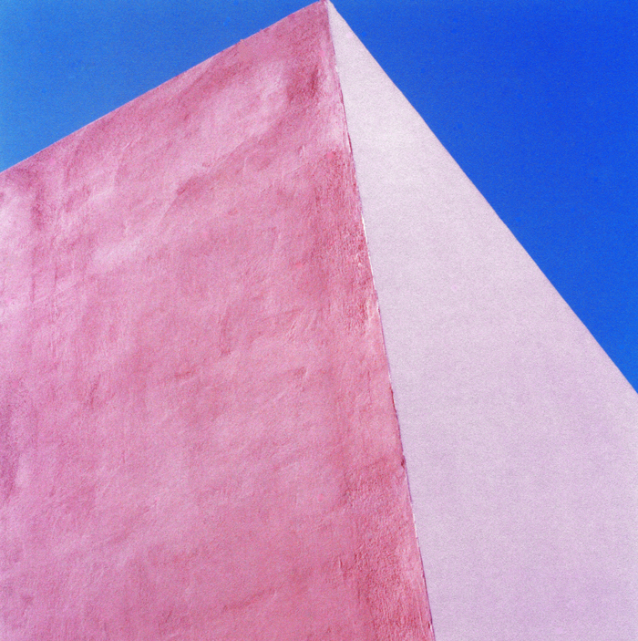 CHROMA di Wilhelm Heiliger_forme e colori_pink